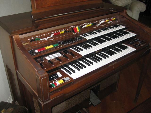 Cool idea running padres electone d 80 through ventilator for Yamaha electone organ models